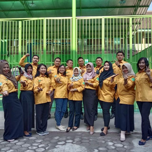 Baju Sekolah SMA Mojokerto